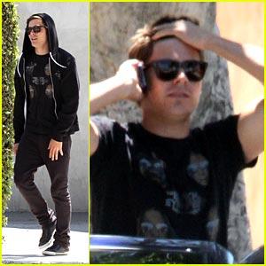 Zac Efron Battles Vanessa Hudgens at the Box Office