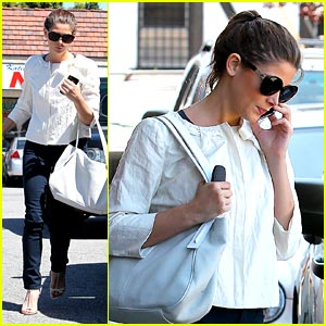 Ashley Greene: Sushi Dan Darling
