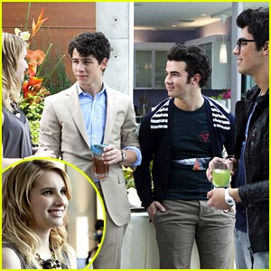 Emma Roberts on JONAS L.A. -- FIRST LOOK!