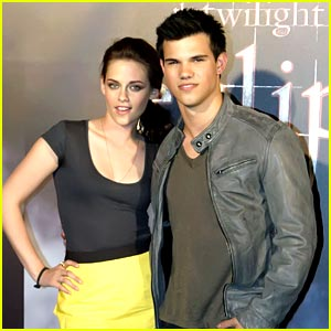Kristen stewart and taylor lautner dating 2012