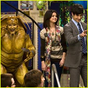 Selena Gomez: David Deluise Bugs Out!