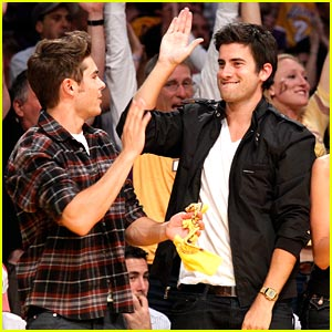Zac Efron & Ryan Rottman: Lakers Courtside!