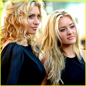 Aly & AJ Michalka: Black Beauties at Eclipse Premiere