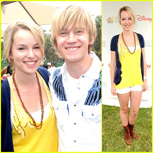 Bridgit Mendler & Jason Dolley Have Time For Heroes
