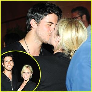 Brittany Snow & Ryan Rottman: Kiss Kiss!