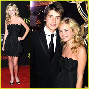 Gregg Sulkin & Britt Robertson: Emmy Date Night!