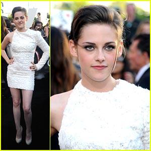 Kristen Stewart: Elie Saab Stunning!