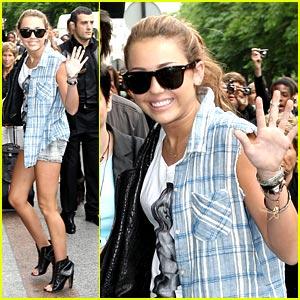 Miley Cyrus: Friendly in France