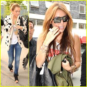 Miley Cyrus is Mercury Marvelous