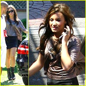 Demi Lovato: Gorgeous in Glendale