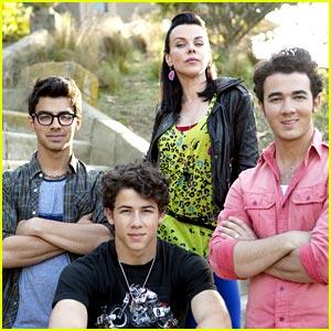 The Jonas Brothers are Mona's Men