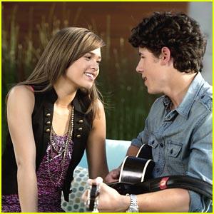 Nick Jonas & Nicole Anderson Keep It A Secret