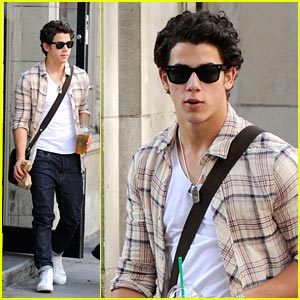 Nick Jonas Sips On Starbucks
