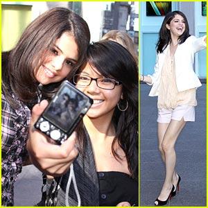 Selena Gomez Fancies Leonardo DiCaprio