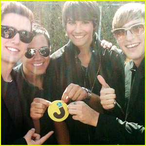 Decorate A Tour Bus with Big Time Rush!