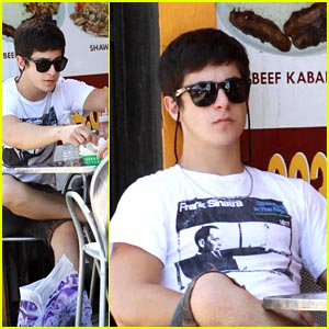 David Henrie Munches on Melrose