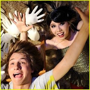 Jennette McCurdy & Lucas Cruikshank in Fred The Movie -- FIRST LOOK!