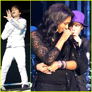 Justin Bieber & Jessica Jarrell Go 'Overboard'