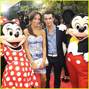 Kevin & Danielle Jonas: Premiere Pair