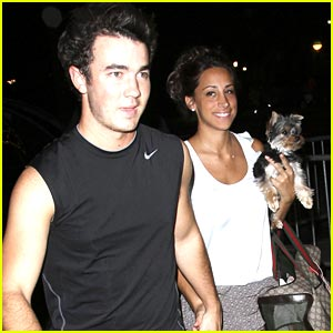 Kevin Jonas: Muscle Shirt Man
