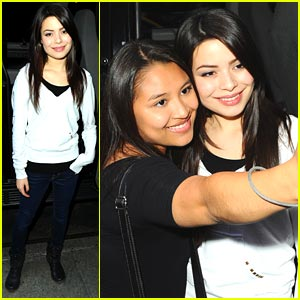 Miranda Cosgrove Makes It Manhattan