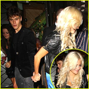 Pixie Lott & Oliver Cheshire: New Couple Alert?