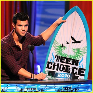 Taylor Lautner WINS Choice Hottie!