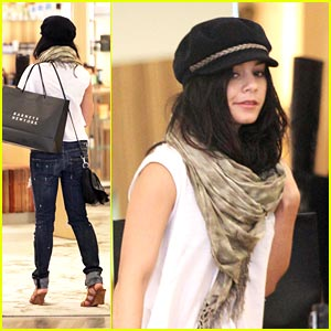Vanessa Hudgens: Shoe Shopping Sweetie