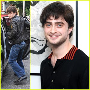 Daniel Radcliffe Sees 'The Big Issue' with Lizzie Mary Cullen