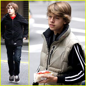 Dylan & Cole Sprouse are Hot Dog Dudes