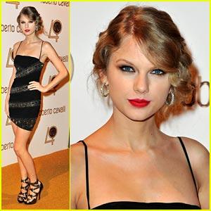 Taylor Swift Celebrates Roberto Cavalli
