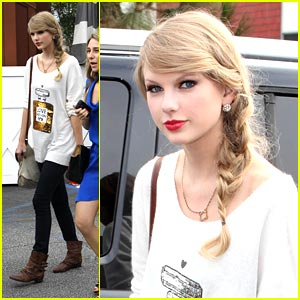 Taylor Swift: Red Hot Ruby Lips