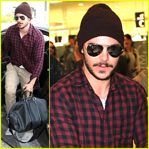 Zac Efron Wants Guest Spot on Glee? | Photo 386446 - Photo