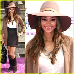 Amber Stevens: Floppy Hat Happy