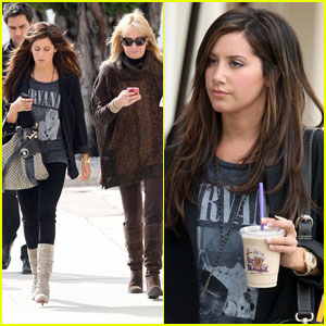 Ashley Tisdale: Planet Blue Pair With Mom!