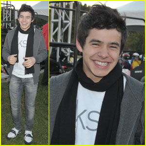David Archuleta: Singing & Smiling at EKS Challenge