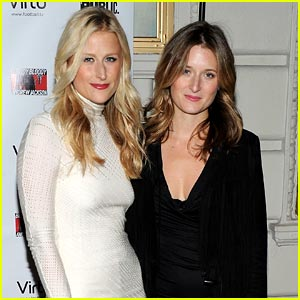 Grace Gummer & Gia Mantegna: Gigantic Girls