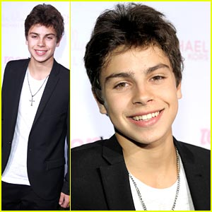 Jake T. Austin is Fernando in 'Rio'