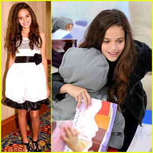 Madison Pettis is a USO Sweetheart