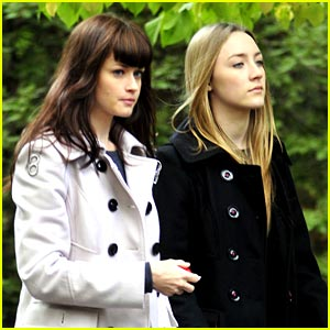 Saoirse Ronan & Alexis Bledel: Central Park Pair