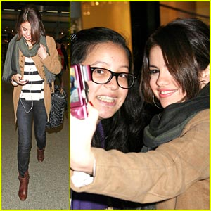 Selena Gomez is Leaving For London