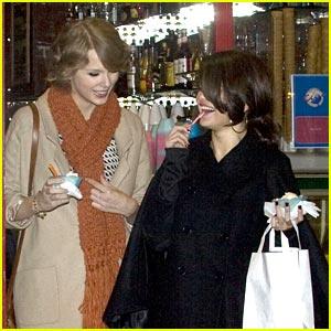 Selena Gomez & Taylor Swift: Gelato Girls