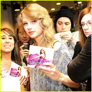 Taylor Swift 'Speaks Now' at Starbucks