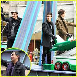 Big Time Rush Won't 'Forget About You' at Macy's Thanksgiving Parade