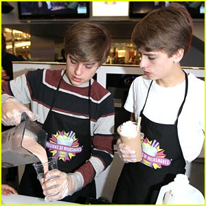 Dylan & Cole Sprouse Make Some Milkshakes