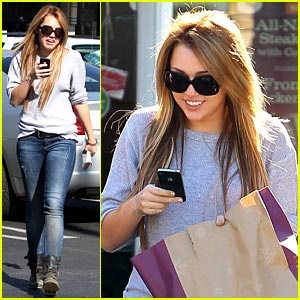 Miley Cyrus is Panera Bread Pretty