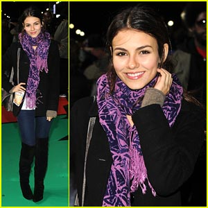 Victoria Justice: Macy's Parade Rehearsal with Big Time Rush!