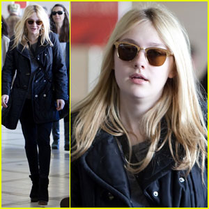 Dakota Fanning: LAX Liftoff!