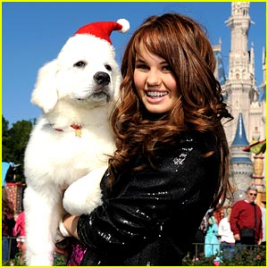 Debby Ryan: More 'Christmas Parade' Pics!