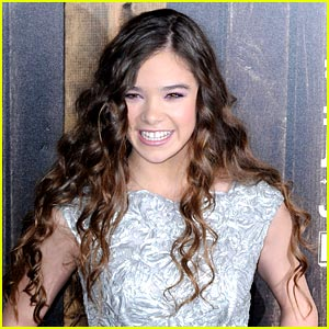 Hailee Steinfeld 'Honored' By Hunger Games Role Suggestion